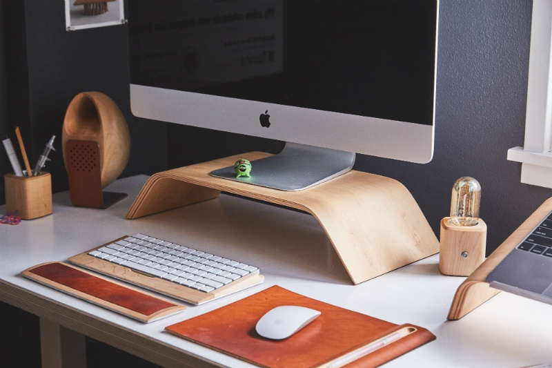 7 Tips for De-cluttering Your Work Desk